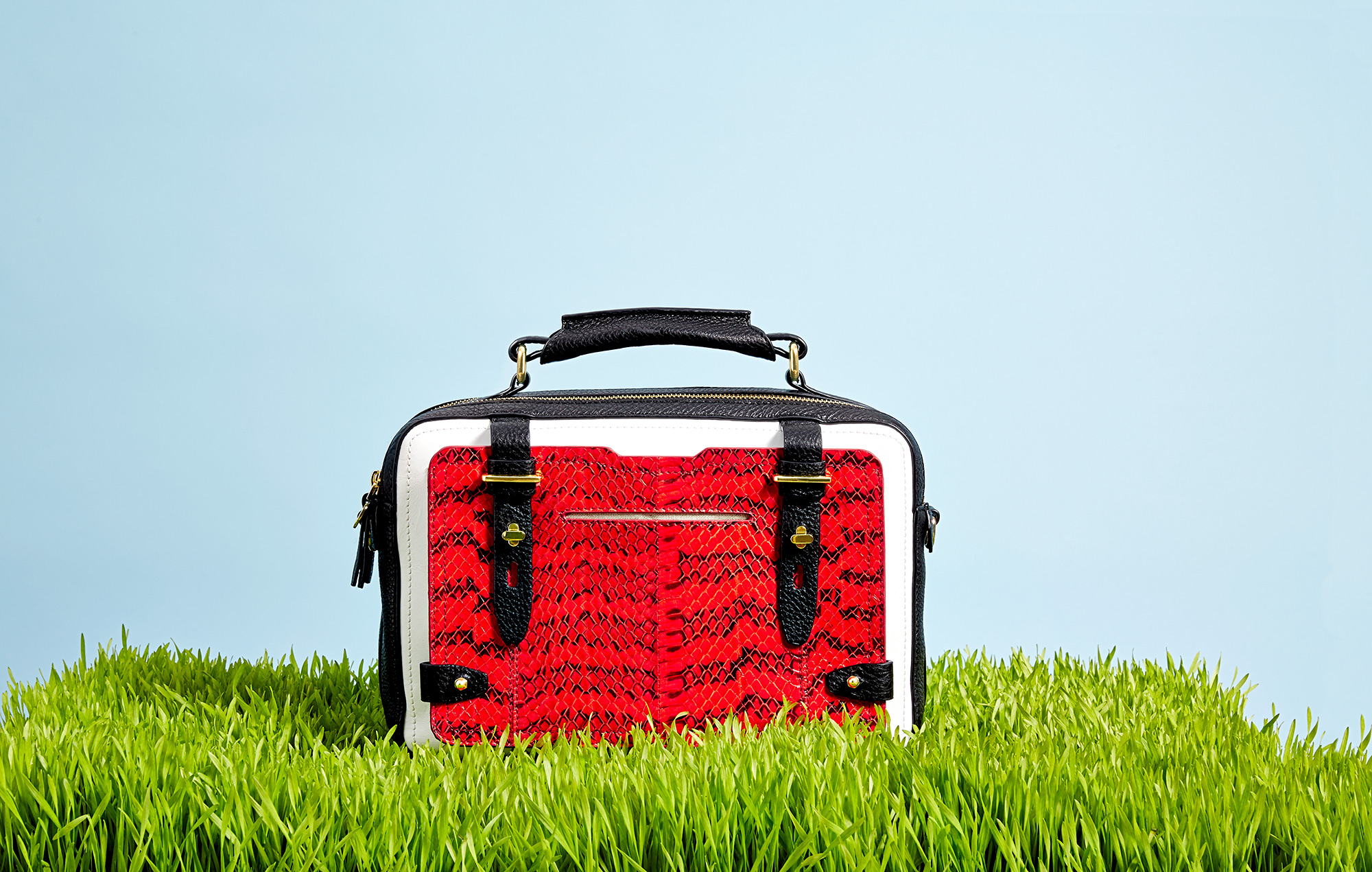 EE_bag_grass